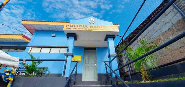 Pobladores de Muelles de Los Bueyes estrenan nueva estación policial Managua. Radio La Primerísima