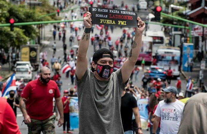 """Figueres: """"La democracia se amenaza cuando los gobiernos no caminan"""" San José. Agencias."""