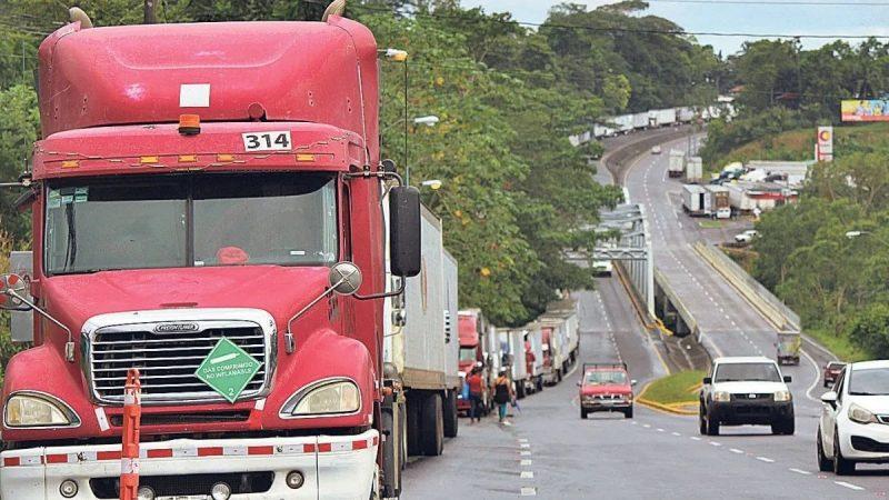 Desesperación por bloqueo en frontera Panamá-Costa Rica Panamá. Prensa Latina.