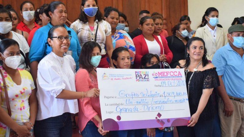 Entregan financiamiento a familias en Granada Managua. Radio La Primerísima