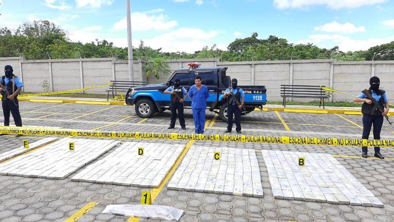 Policía presenta a narco que transportaba media tonelada de cocaína Managua. Jerson Dumas/ Radio La Primerísima