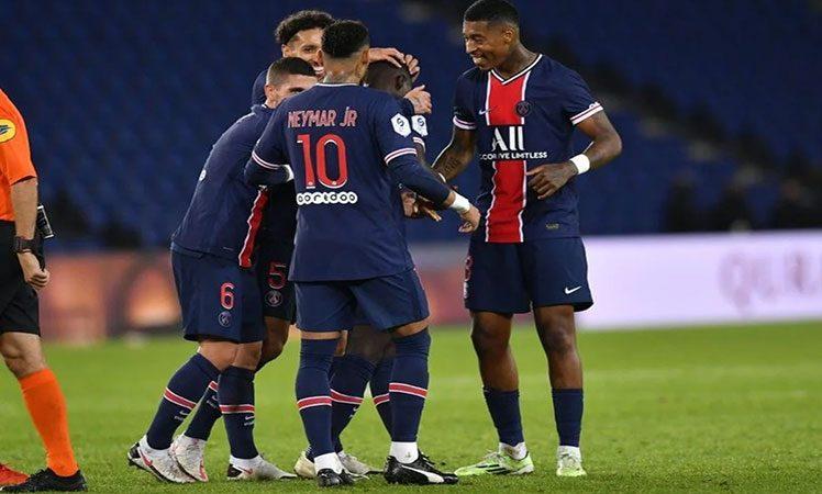 PSG golea y es sublíder en fútbol francés París. Prensa Latina