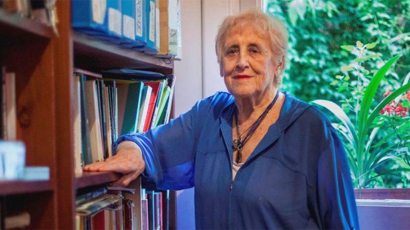 Stella Calloni trabajó en Nicaragua en los años 80. Fue condecorada con la Orden Rubén Darío, por el Presidente Daniel Ortega