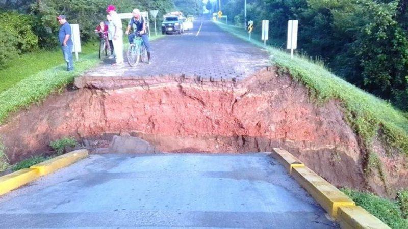 Colapsa puente en Achuapa Managua. Radio La Primerísima