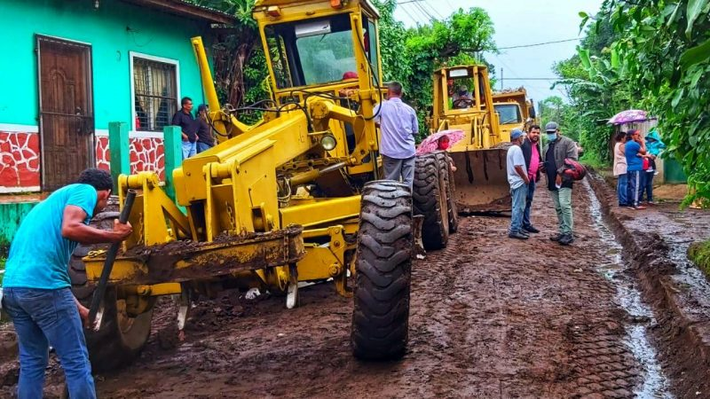 Construyen calle adoquinada en municipio San Marcos Managua. Por Manuel Aguilar/Radio La Primerísima