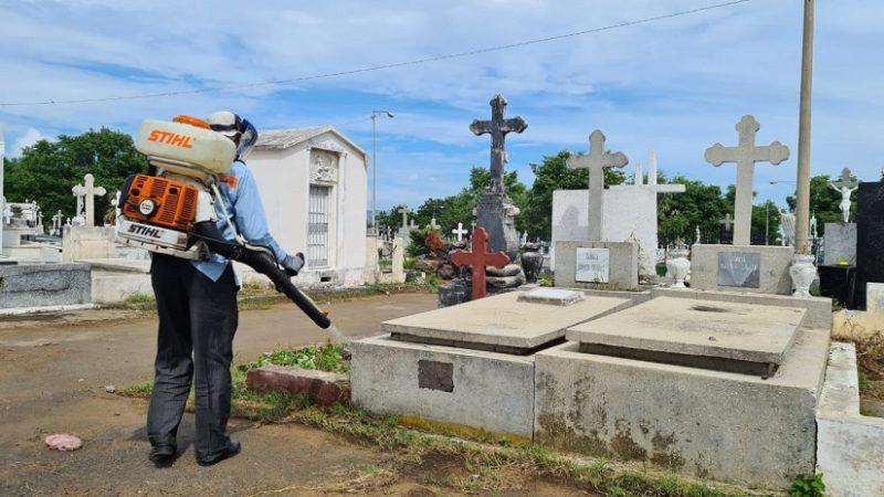 Alcaldía de Managua remoza cementerios Managua. Radio La Primerísima