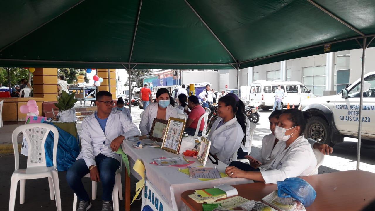 Realizan expo-feria por Día Mundial de Lucha Contra Cáncer de Mama Jinotepe. Por Manuel Aguilar/Radio La Primerísima