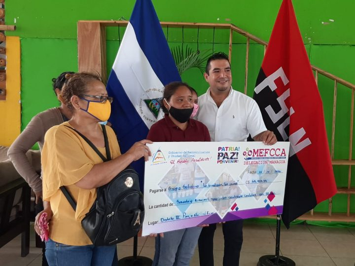 MEFCCA entrega bono a emprendedores de Managua