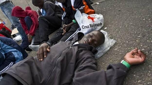 Un muerto y cinco heridos en dos cayucos y cuatro pateras localizadas en Gran Canaria Canarias. RTVE.es/ Agencias