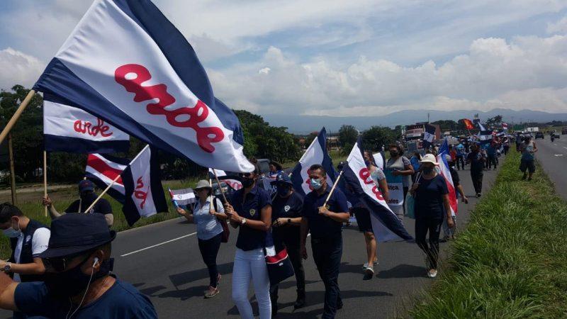 Nica resulta herido en balacera entre manifestantes y policías en Costa Rica San José. Agencias