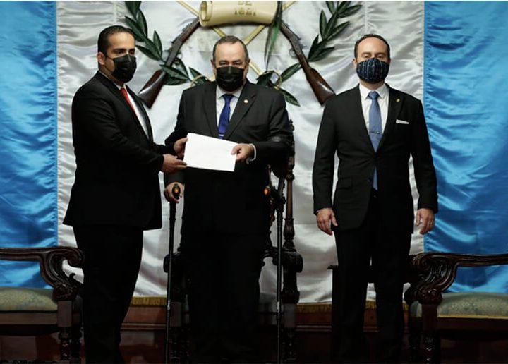 Embajador nica presenta cartas credenciales ante Presidente Alejandro Giammattei