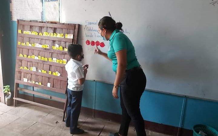 Realizan convocatoria para formación de nuevos maestros Managua. Por Douglas Midence/Radio La Primerísima