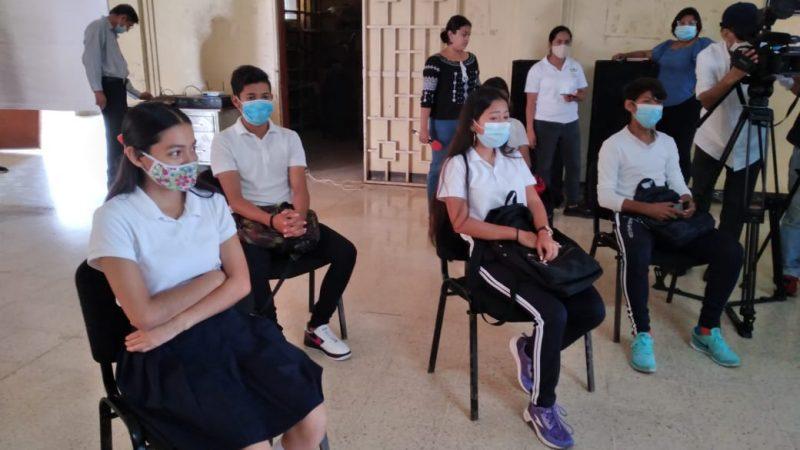 Centros de enseñanza alistan matriculas Managua. Por Douglas Midence/Radio La Primerísima