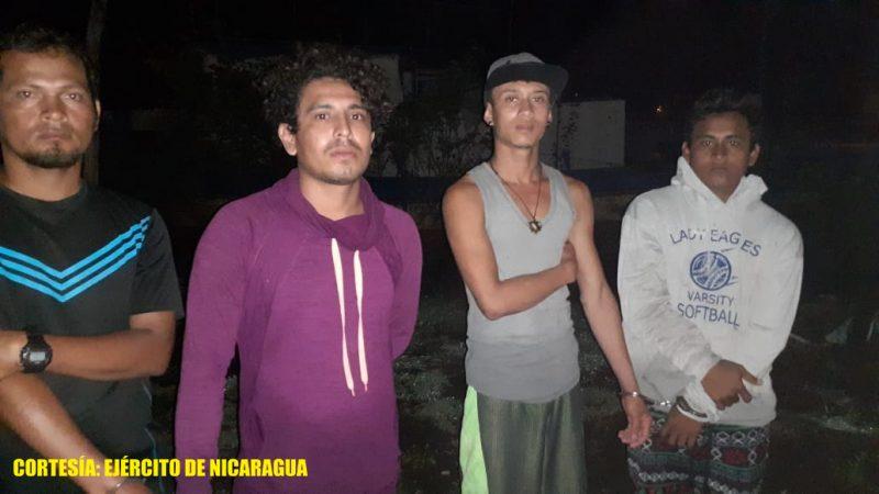 Ejército retiene embarcación con 23 inmigrantes ilegales Managua. Radio La Primerísima