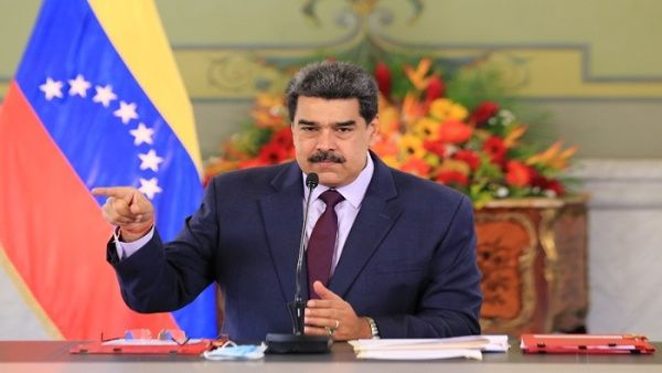 Presidente de Venezuela recibe Ley Antibloqueo de la ANC para su promulgación Caracas. TELESUR