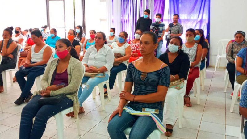 MEFCCA entrega microcréditos a emprendedores de Carazo Jinotepe. Por Manuel Aguilar/Radio La Primerísima