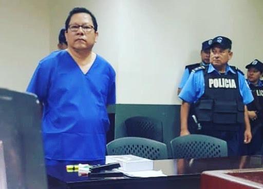 Ex trabajadores demandan por prestaciones laborales al vende patria de Miguel Mora Managua. Radio La Primerísima