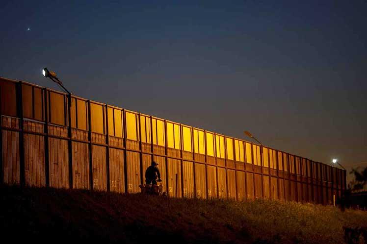 Vuelve polémica sobre muro fronterizo entre EEUU y México Washington. Prensa Latina