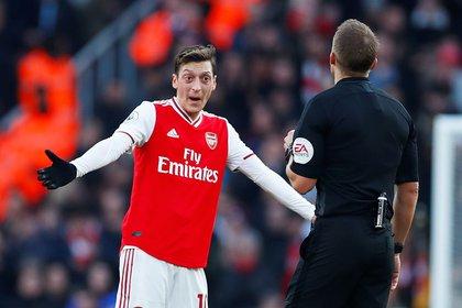 El tuit que provocó la desaparición de Mesut Özil Londres. Agencias