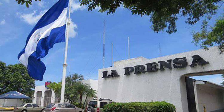 Hugo Hollmann demandó a su madre y tío por «pesos y centavos» Managua. Radio La Primerísima