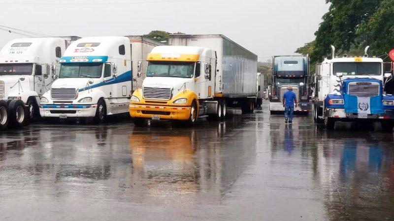 Bloqueos en Costa Rica afectan a transportistas nacionales Managua. Radio La Primerísima