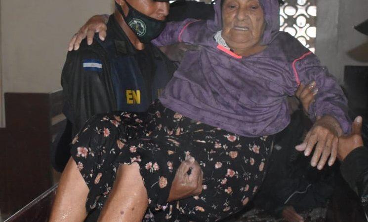 Familias de Caribe Norte fueron llevadas a lugares seguros Managua. Radio La Primerísima