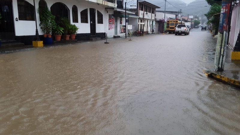 Reportan anegaciones en calles de San Juan del Sur, Rivas Managua. Por Silvio Joel Mora/Radio La Primerísima