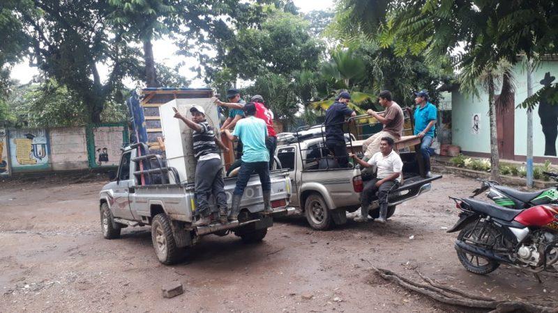 """Evacuados por paso de """"ETA"""" regresan a casa en algunas zonas del país Managua. Radio La Primerísima"""