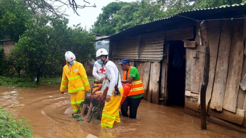 Evacuan a familias de Ochomogo y Tola por desborde de ríos Managua. Radio La Primerísima