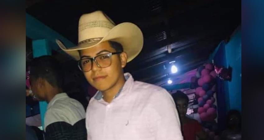 Adolescente muere tras caer de la moto en que viajaba Managua. Radio La Primerísima