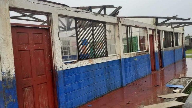 Inician restauración de centros escolares afectados por huracanes Managua. Radio La Primerísima