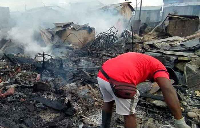 Incendio en Colombia deja más de 50 casas destruidas EFE