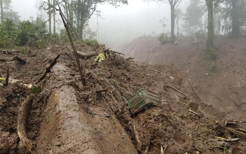 Deslave sepulta a una familia en Mulukukú Managua. Radio La Primerísima