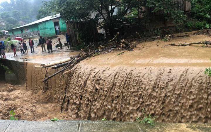 Anegaciones y varias familias evacuadas en Nueva Segovia Managua. Radio La Primerísima