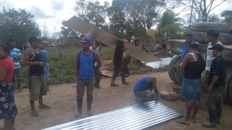 Familias de Prinzapolka continúan recibiendo planes techos Managua. Radio La Primerísima