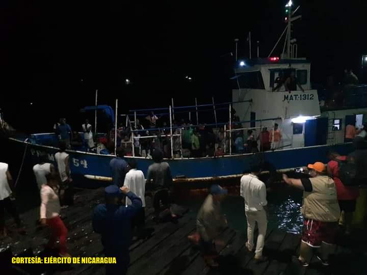 Fuerza Naval realiza evacuación en los Cayos Miskitos Managua. Radio La Primerísima.