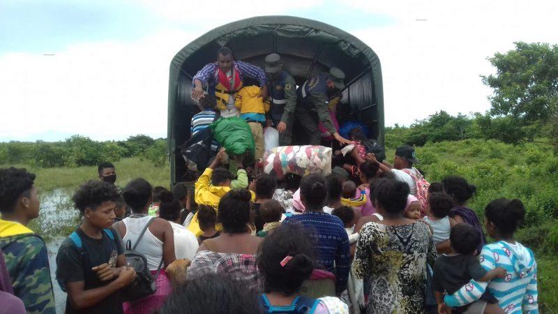 Ejército evacua a personas en comunidades de Waspam Managua. Radio La Primerisima.
