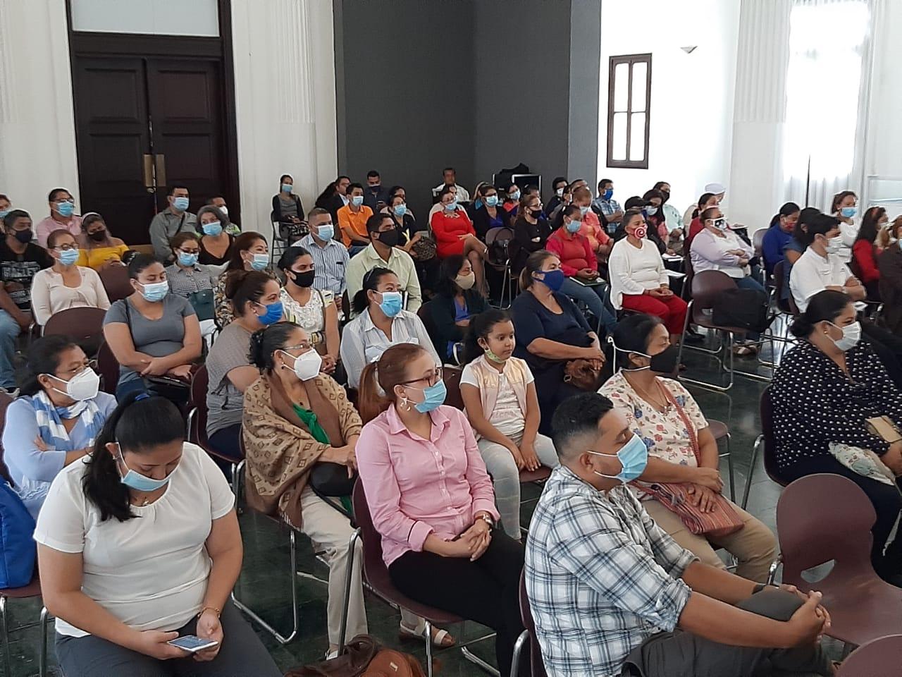 Más de un centenar de bibliotecarios comparten experiencias Managua. Radio La Primerísima