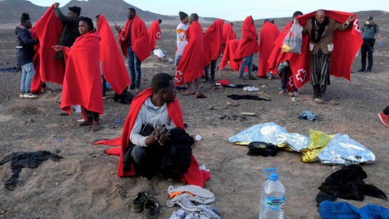 Desmantelan campamento de migrantes en Islas Canarias Agencia