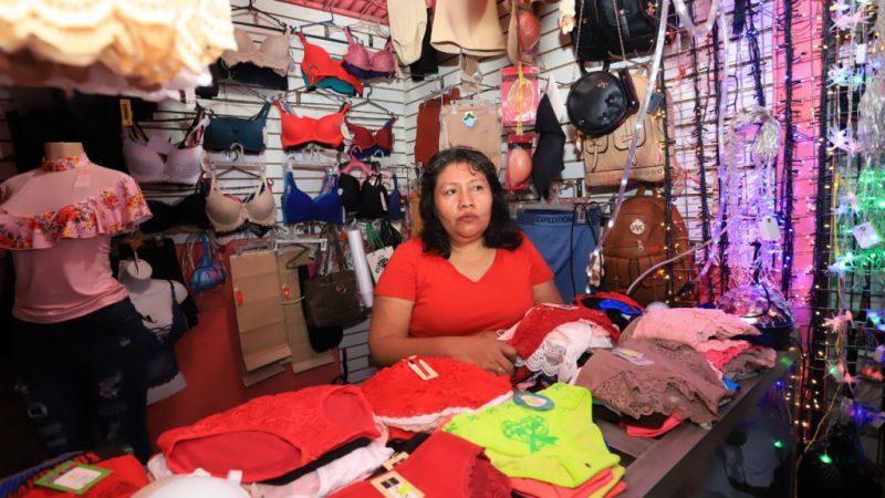 Listas ofertas navideñas en mercado Iván Montenegro Managua. Radio La Primerísima