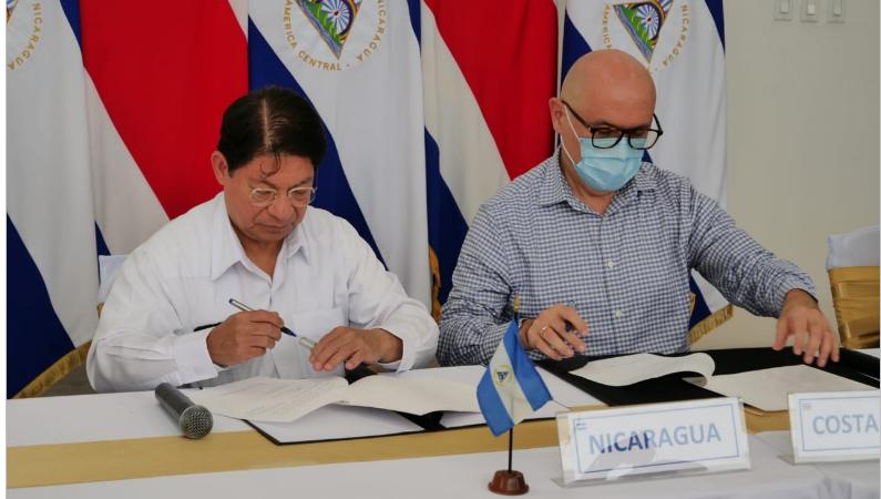 Suscriben acuerdo para proteger a 20 mil nicas que viajarán a trabajar a Costa Rica Managua. Por Jaime Mejía/ Radio La Primerísima
