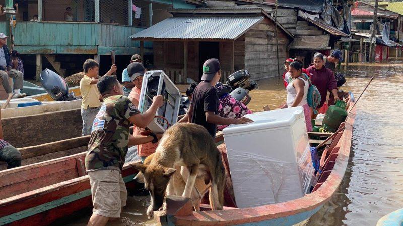 Evacúan más de 1 mil personas ante crecida del río Prinzapolka Managua. Radio La Primerísima