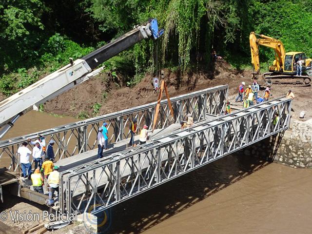 Suspenden tránsito sobre puente provisional en Cuisala ante crecida del río Managua. Radio La Primerísima