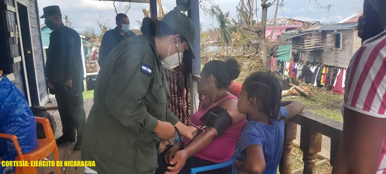 Ejército traslada familias que estaban en albergues Managua. Radio La Primerísima