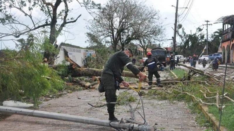 Inicia limpieza, reconstrucción de la ciudad y entrega de víveres en Bilwi Managua. Radio La Primerísima