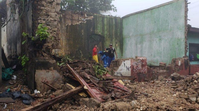 Colapsa casa que estaba abandonada en municipio de Jinotepe Jinotepe. Por Manuel Aguilar/Carazo/Radio La Primerísima
