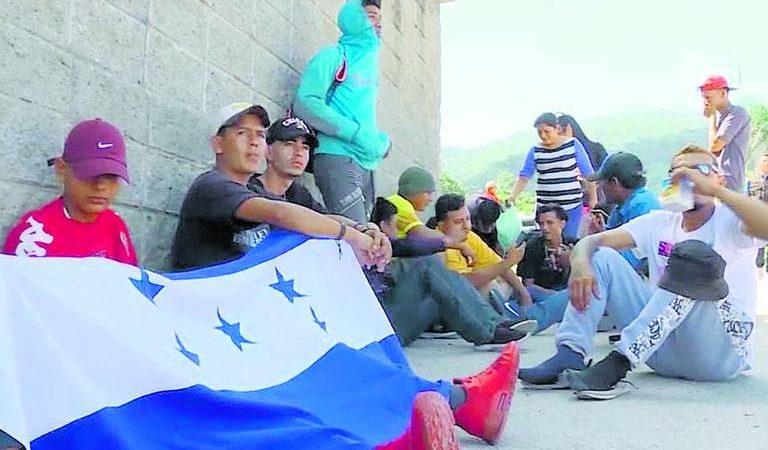 Migrantes de Honduras planean dos caravanas hacia EU Agencia
