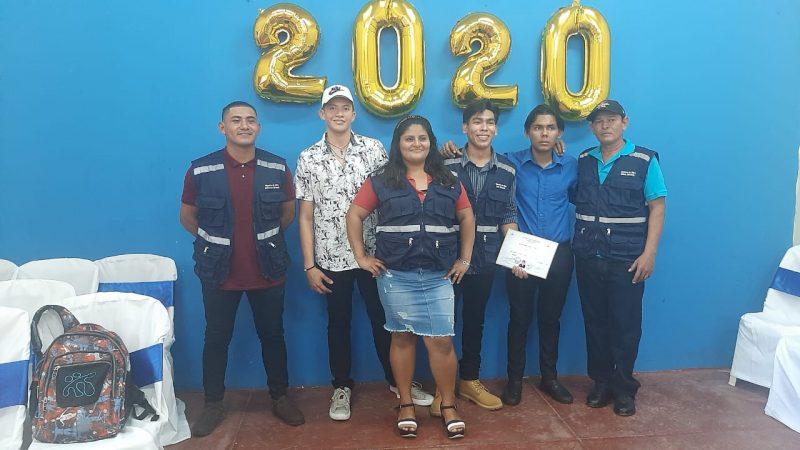 Gradúan 38 técnicos en maestros de obra y dibujo arquitectónico Managua. Por Douglas Midence/Radio La Primerísima