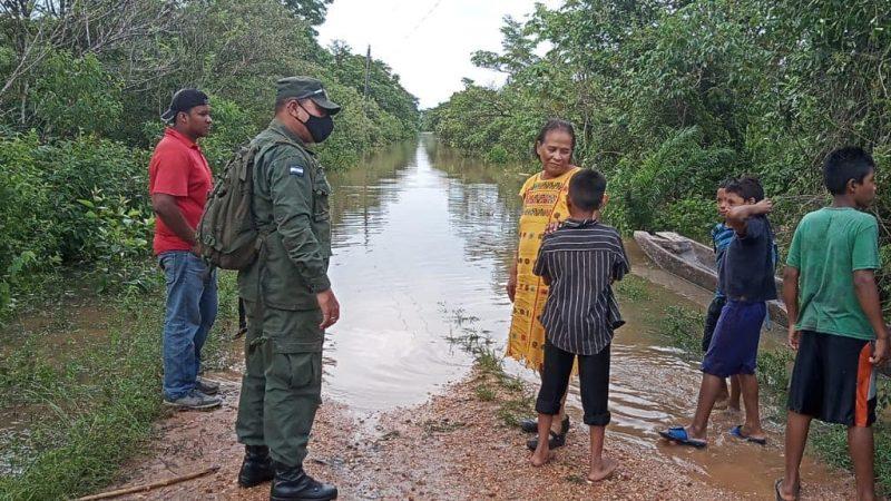 Atienden a familias de comunidades evacuadas en Waspam Managua. Radio La Primerísima