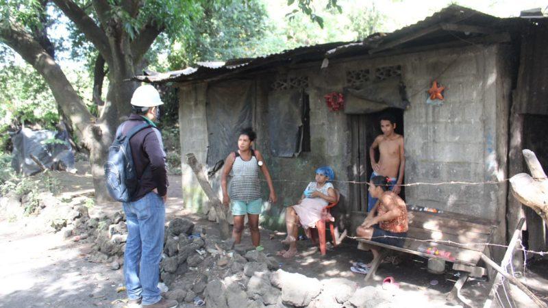Atienden a los afectados por cenizas del volcán Telica Managua. Radio La Primerísima